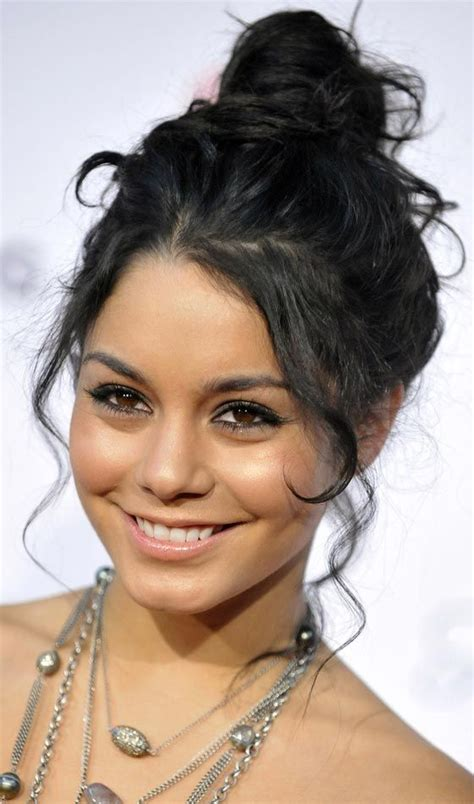 older actresses with hair in bun best messy bun hairstyles our top 10 i love buns and