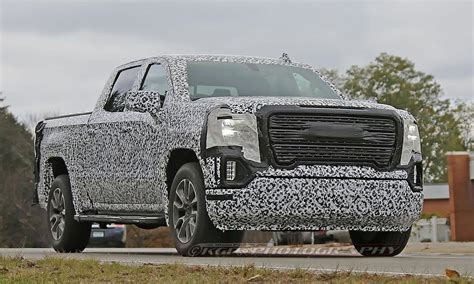 2019 GMC Sierra gets new sculpted grille, headlights