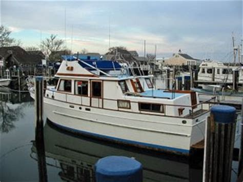living on a boat for the summer nantucket waterfront news liveaboards around the waterfront