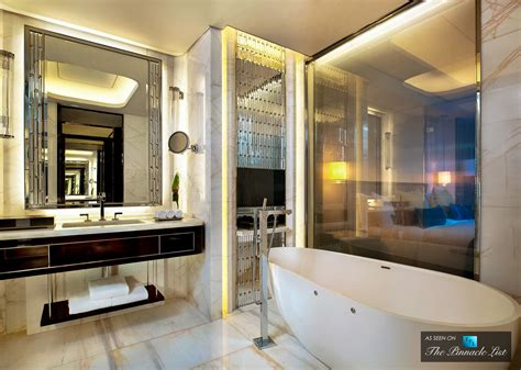 Modern Hotel Bathrooms by St Regis Luxury Hotel Shenzhen China Deluxe Bathroom