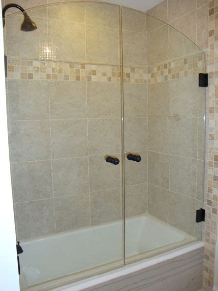 Bathtubs With Glass Enclosures by Tub Shower Combo Shower Doors And Tub Shower Doors On