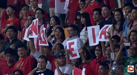 Etnis Tionghoa Dan Nasionalisme Indonesia Sebuah Bunga sepakbola sebuah alat pemersatu bangsa tionghoa tradisi