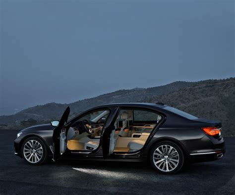 luxury bmw 7 series bmw 7 series provides combination of luxury and hi tech