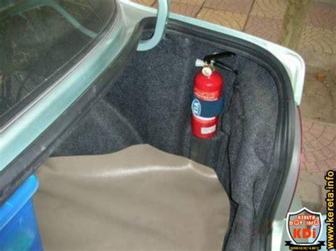 Alat Pemadam Api Untuk Kereta pemasangan alat pemadam kebakaran dalam kereta perlu digalakkan bukan diwajibkan