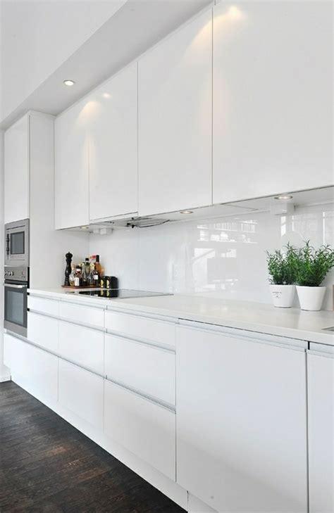 Modern Kitchen Designs 2014 by Moderne Wei 223 E K 252 Chen K 252 Cheneinrichtung In Wei 223 Planen