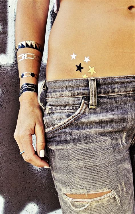 6 pack tattoo 1000 ideas about hip designs on hip