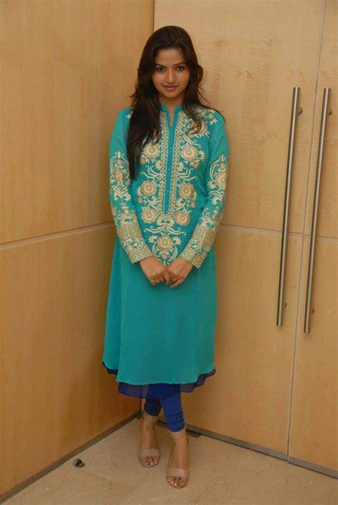serial heroine photos kannada nithya ram nandini serial actress profile and latest