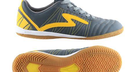 Sepatu Bola Specs Dibawah 200 sepatu futsal specs terbaru 2014 namanya horus in specs