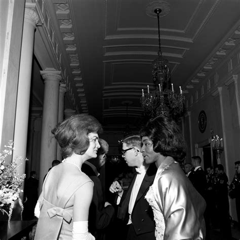 kennedy white st 249 17 62 first lady jacqueline kennedy with opera singer grace bumbry at white house dinner
