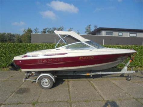 speedboot met open punt maxum 1750 open punt 135 pk mercruisertrailer inruil