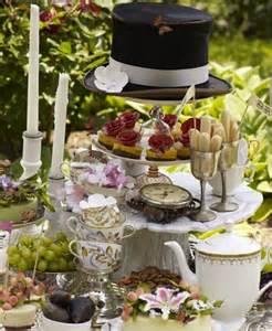 decoration de table au pays des merveilles mariage