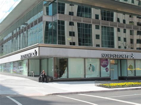 Nordstrom Rack Washington Dc by Nordstrom Rack Grand Opening At 18th And L St Nw Tomorrow