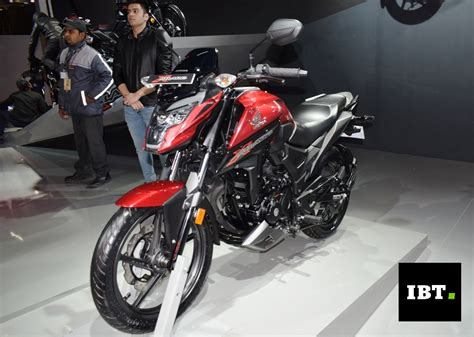 Kilometer Honda Blade New 1 honda x blade unveiled at auto expo 2018 launch confirmed in march ibtimes india