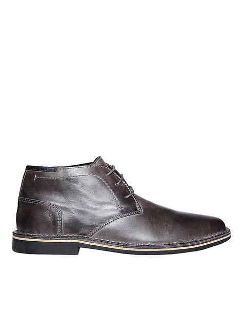 steve madden hestonn leather chukka boots in gray for