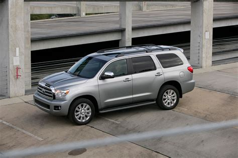2010 Toyota Reviews by 2010 Toyota Sequoia Platinum Review