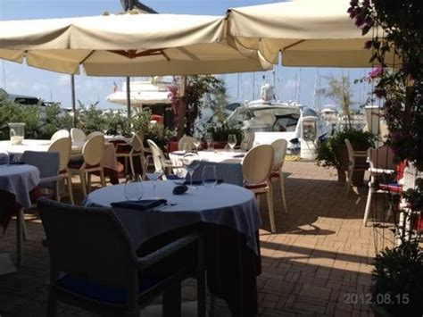 ristorante porto varazze porto di varazze foto di ristorante divino varazze