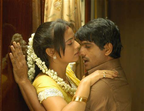 film india hot romantis tamil movie mayanginen thayanginen hot stills beautiful