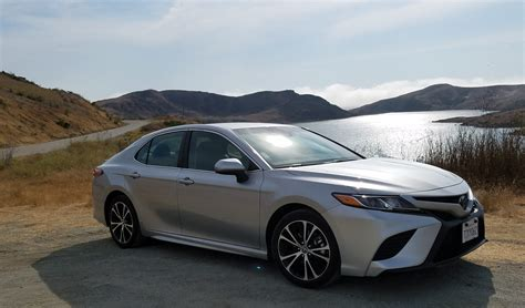 2018 Camry Reviews by 2018 Toyota Camry Se Rental Review Three Dressed Up As A
