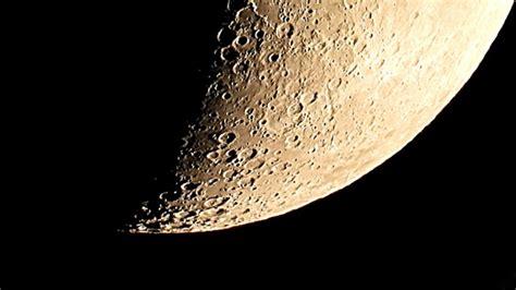 nikon p  optical superzoom world record moon zoom