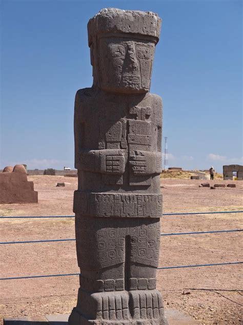 tiwanaku statue photo
