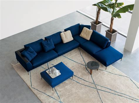 hollywood couch hollywood sofa lounge sofas from arflex architonic