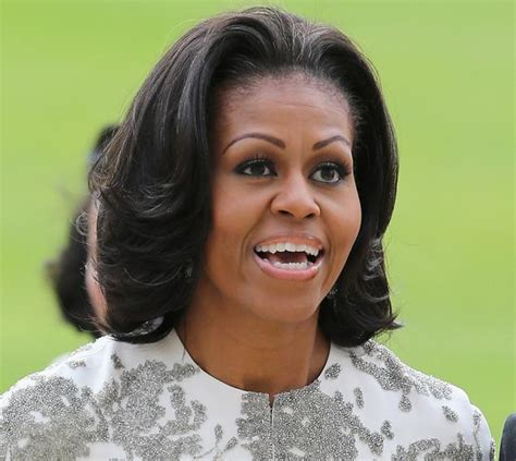 pictures o michell obama without a wig flotus wig cele bitchy michelle obama s new second term