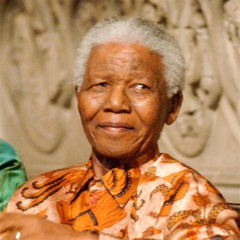 nelson rolihlahla mandela short biography a brief biography of nelson mandela