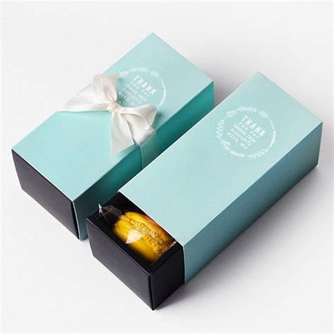 Dus Kue Cantik Gift Box Elegan Box Kue 22x22x9 5cm 40408 Putih 15 design dus kue yang menarik cetak box makanan brosur kalender dus kemasan