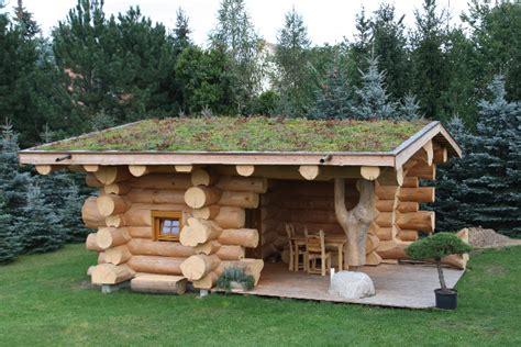 garten holzhaus bauen wochenendhaus aus naturstamm weekender mehrer blockhaus