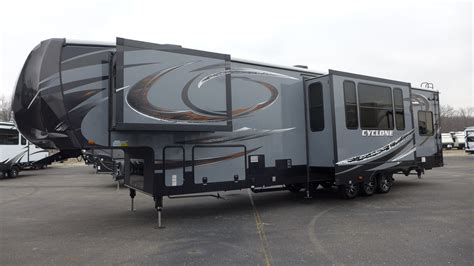 Cyclone 4200 Floor Plan by Best Fifth Wheel For 2015 2017 2018 Best Cars Reviews