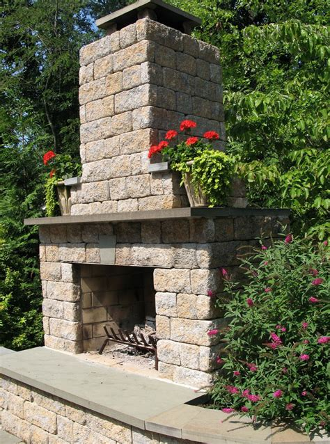 How To Build A Outdoor Fireplace With Cinder Blocks by Cinder Block Fireplace Outdoor Home Design Ideas