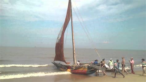 catamaran negombo catamaran negombo beach youtube