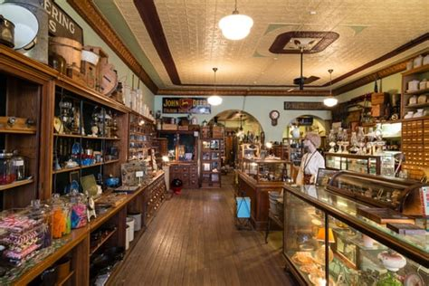 the hardware store antiques halstead ks 208