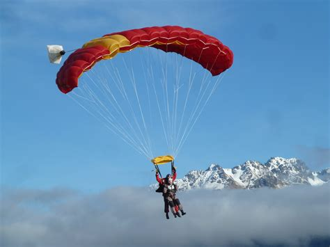 parachute dive skydiving afishoutofgrimsby
