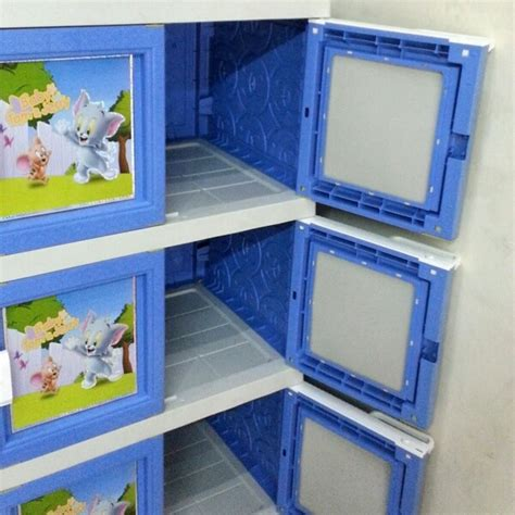 Lemari Plastik Akako Gantungan lemari plastik akako jumbo 12 pintu