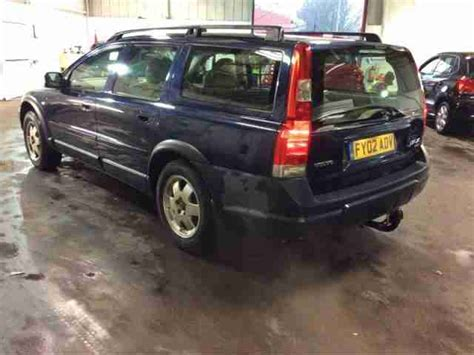 volvo   xc auto estate cross country  se full leather