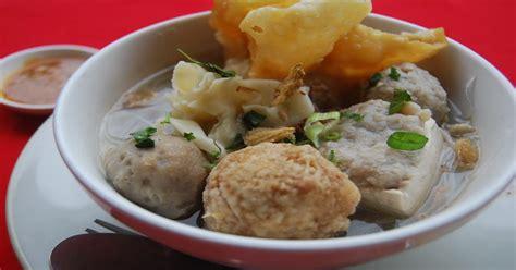 foto membuat bakso hari libur tidak usah makan di restoran bikin bakso