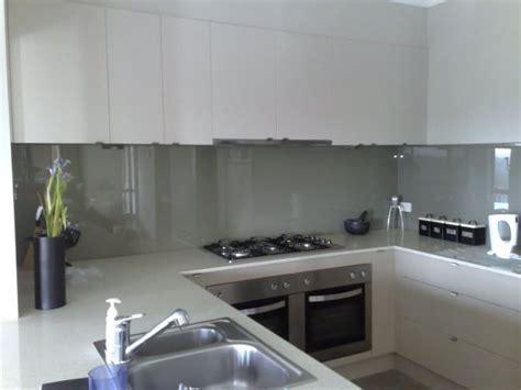 splashback ideas white kitchen 63 best kitchen glass splashbacks images on pinterest