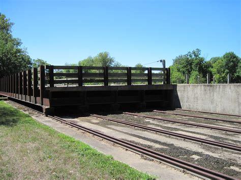 bridgehuntercom hennepin canal lock  roller bridge