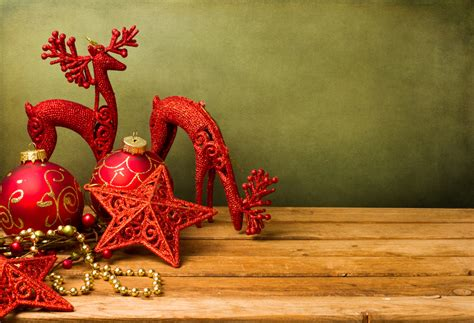 vintage christmas decorations for an old fashioned holiday