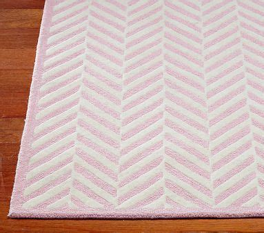 pottery barn tapis rug 9 best images about tapis on pottery barn living rooms and herringbone rug