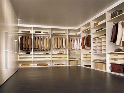 kleiderschränke mit vielen fächern kleiderschrank mit vielen einlegeb 246 den schiebet