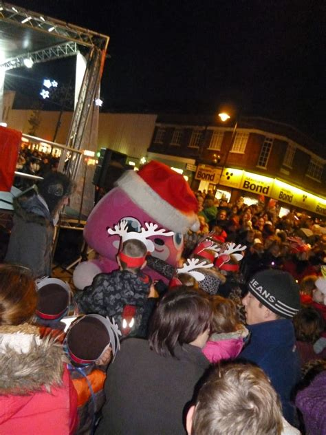 medway christmas lights get switched on big motoring world