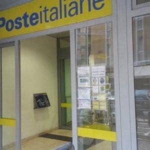 stipendio direttore ufficio postale vigevano arrestato il direttore dell ufficio postale