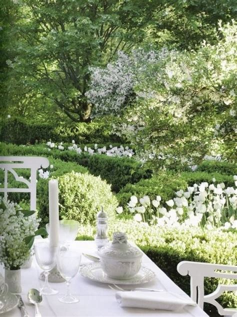 dining in the green and white garden white gardens
