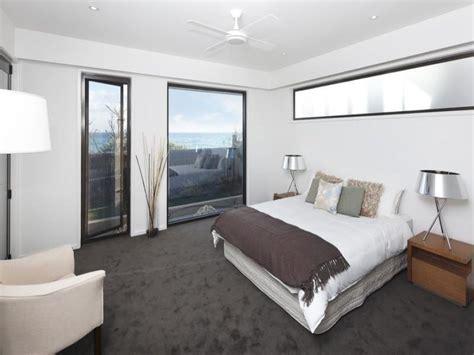modern bedroom design idea  carpet floor  ceiling