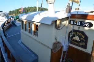 wharfside bed and breakfast aboard the slowseason