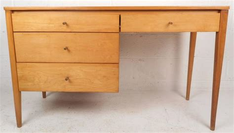 Small Maple Desk Mid Century Modern Maple Desk By Paul Mccobb For Sale At 1stdibs