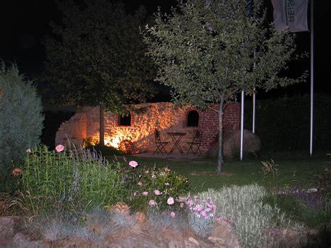 im garten licht garten gestaltung gartengestaltung gartenbau