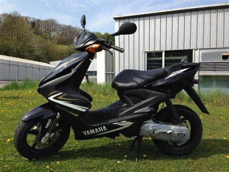 Motorroller Aerox Gebraucht by Yamaha Aerox Yq50 Schwarz Gold In Burgstetten Yamaha